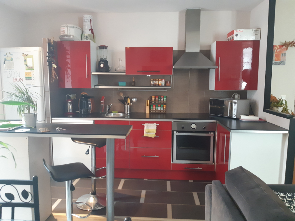 APPARTEMENT T3 MEUBLE A L'ANNEE